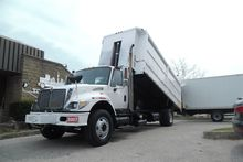 2007 INTERNATIONAL 7400 Side lo