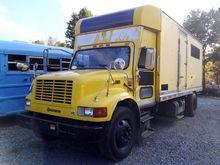 2000 International 4900