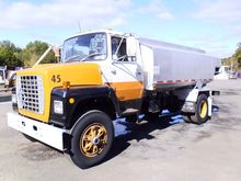Used 1985 Ford 8000
