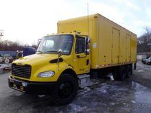 2005 Freightliner M2