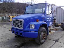 2000 Freightliner FL70