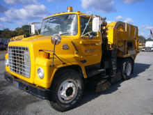 1982 Ford 7000