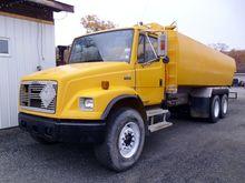 1999 Freightliner FL-80
