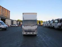 2012 Isuzu Forward N75.190 Curt