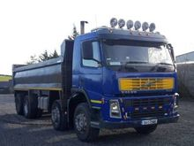2004 Volvo FM 9 Tippers