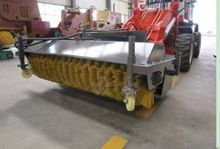 2015 Dragon Loader Bucket Broom