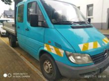 Used Vans for sale in Paris, France. Mercedes-Benz equipment ...