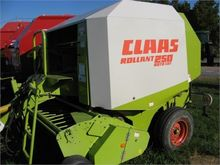 2001 CLAAS ROLLANT 250RC
