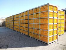 NN racks with crates Crates rac