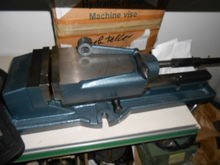 MShy-150/300 Hyd. machine vice