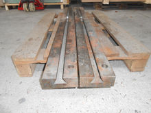 Support rails for metal shears