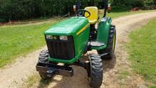 2012 John Deere 3036E Garden tr