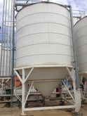 Silo with weight measurement 50