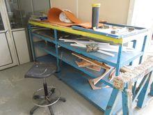 (5) Work Benches / Tables de tr