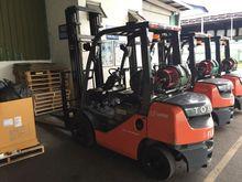 Forklift - Toyota '32-8FG25' SG