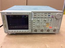 Tektronix TDS 754A Color Four C