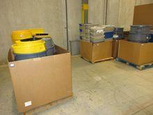 9ea pallets Plastic Waste Cans
