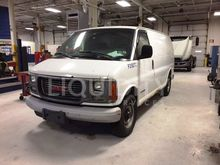 2002 GMC Savanna 3500 Van F2927