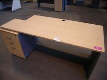Office Desk - 1x - Approximate