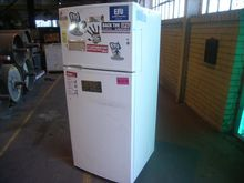 Fridge - 1x Kelvinator KTM4200W
