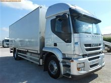 2011 IVECO AT190S36