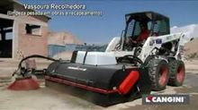 Skid Steer Attachments / Sweepe
