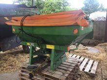 Amazone fertiliser Spreader