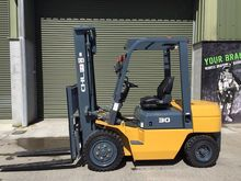 New  HELI chl Forklifts.
