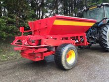 Bredal Lime Spreader