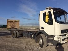 07 VOLVO FLH CHASSIS AND CAB