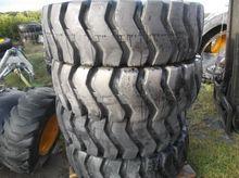 New 17.5x25 Sitemaster tyres x