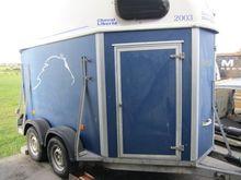 Used Horse trailer i