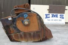 MB CRUSHER BUCKET @EMS