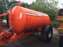 Abbey 1300 Gallon Tank