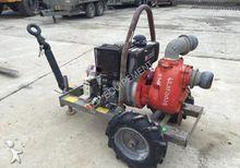 Pompe à eau tractée , 150 m3/he