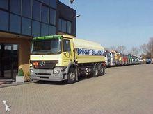 2004 Mercedes 6x4 fueltanker 18