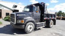 1993 Ford L9000 Truck