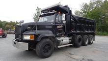 1995 Mack CL713 Truck