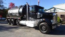 2012 Freightliner CORONADO 122