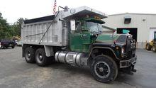 1987 Mack RD686S Truck