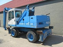 1999 Fuchs MHL320