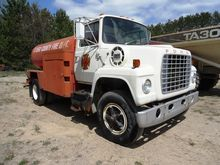 1977 FORD 800