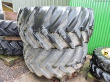 30.5 x 32 Flotation wheels