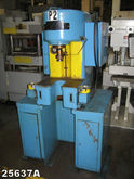 4 TON DENISON MULTIPRESS HYDRAU