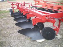 International Harvester 710