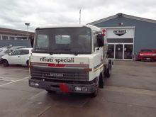 1992 Nissan L 80 L80