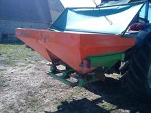 1990 Mahier Fertiliser spreader