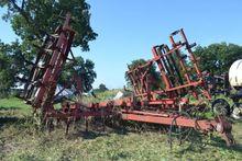 tillage equipment : Case-IH 568