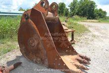 """Bucket : CF 34"""" Excavator Bucke"""