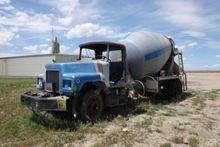 Salvage Equipment : 1986 Mack D